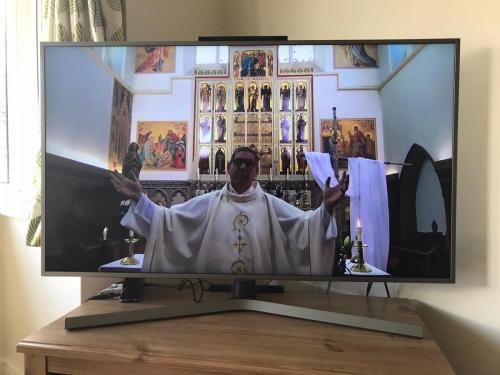Father Andrew welcomes people from the parish of the Most Holy and Undivided Trinity who live in Grimsby, Cleethorpes and Immingham as well as those from other parts of the United Kingdom and overseas.